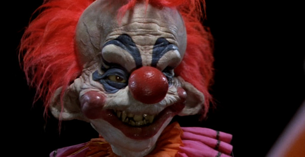 Killer klowns from outer space b movie review for Killer clown movie